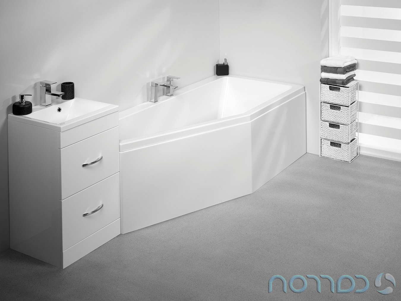 Carron Quantum Space Saver 5mm Acrylic Left Hand Bath 1700