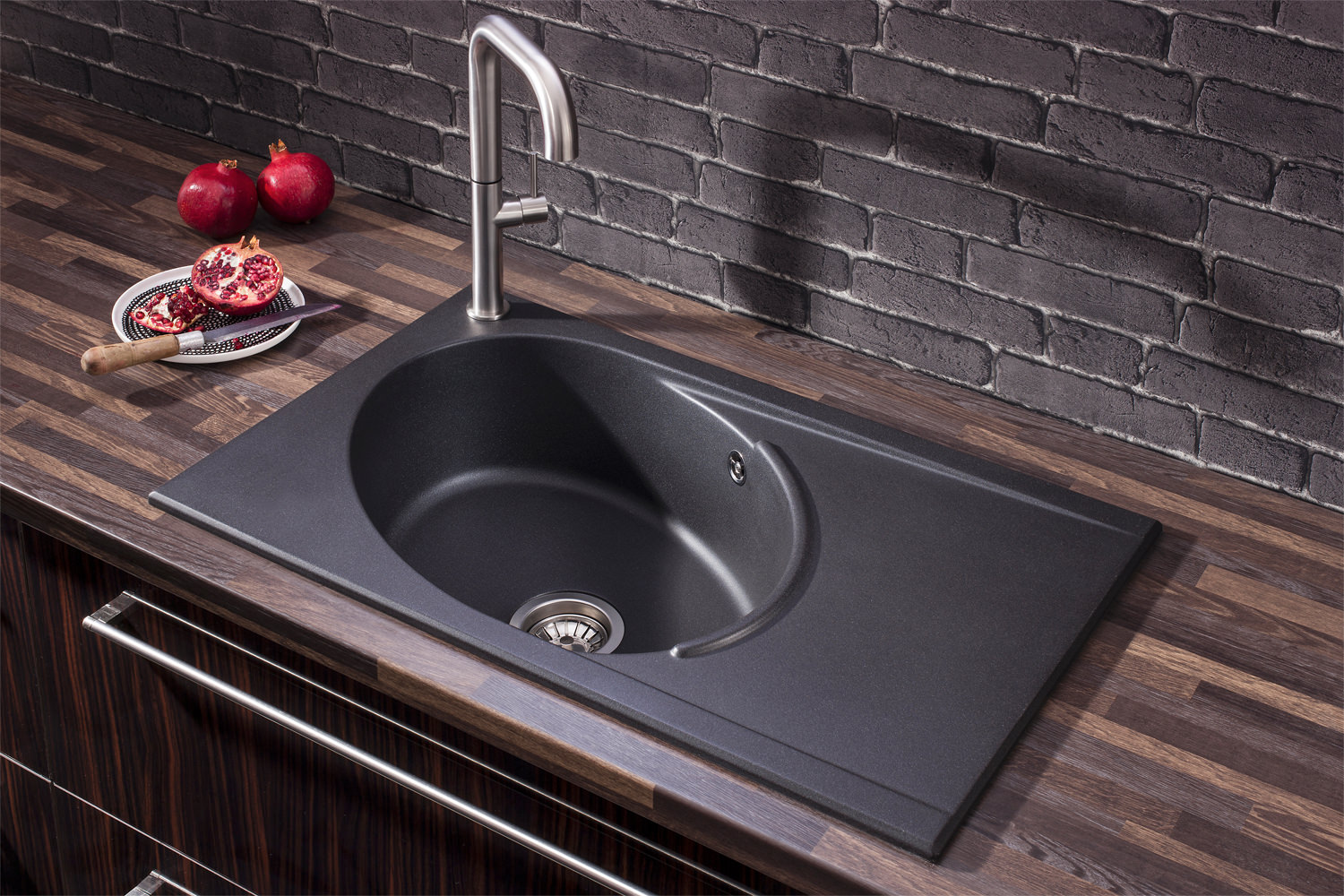 crosswater cucina tube single bowl kitchen sink with drainer