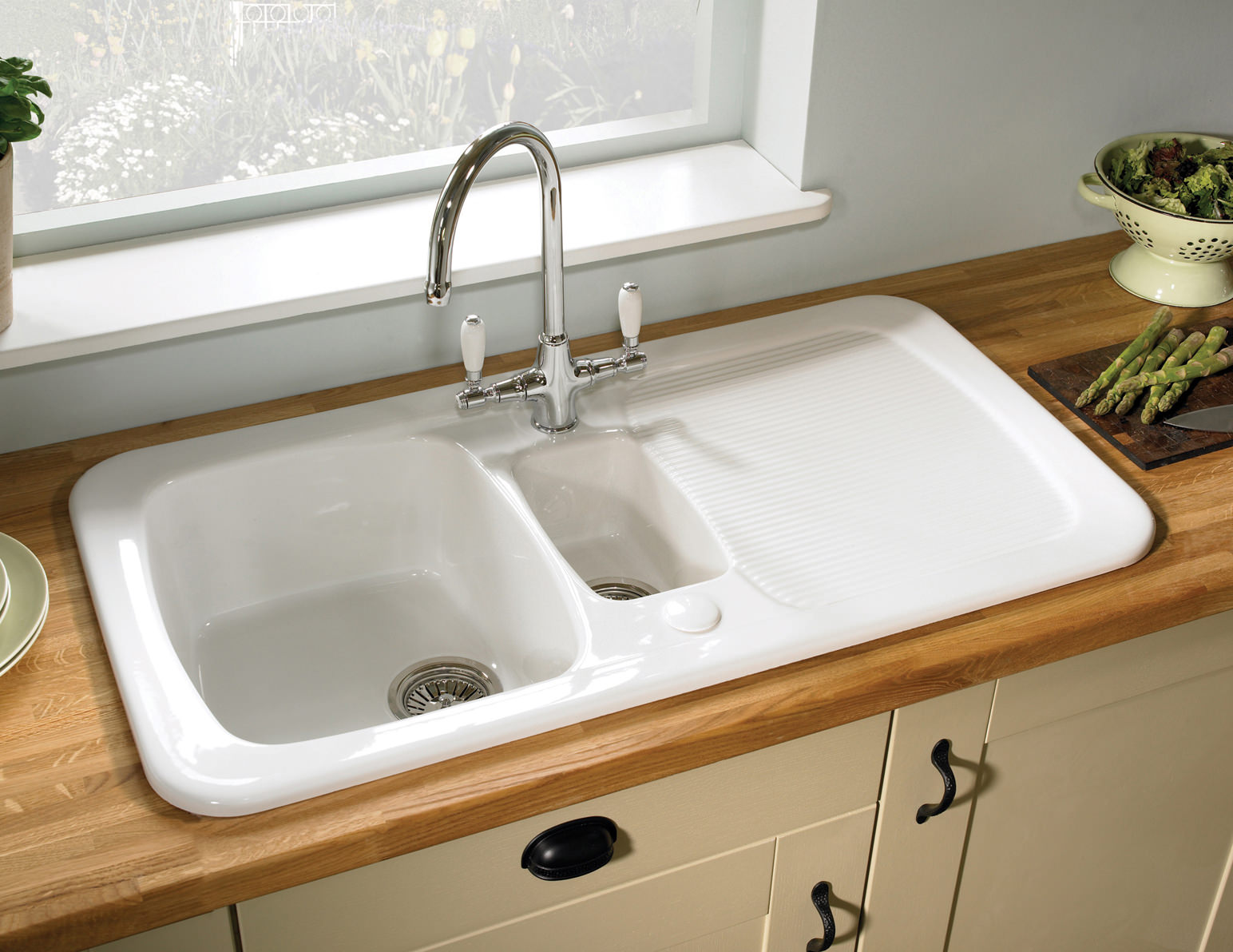 White Ceramic   Bowl Kitchen Sink