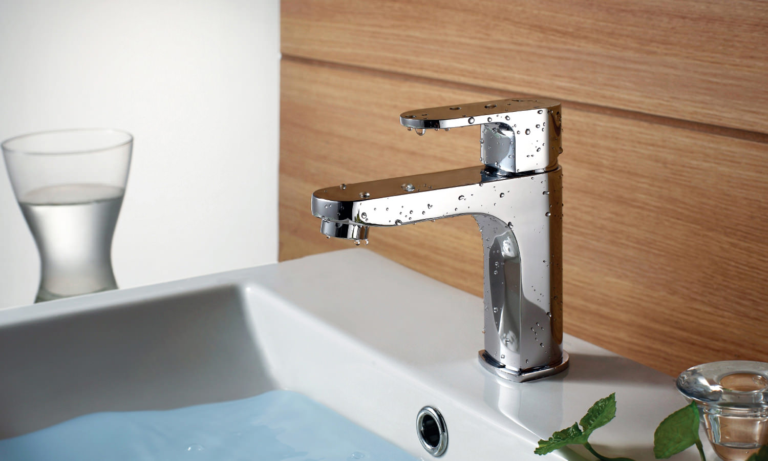 Flova Smart Cloakroom Single Lever Basin Mixer Tap With Waste