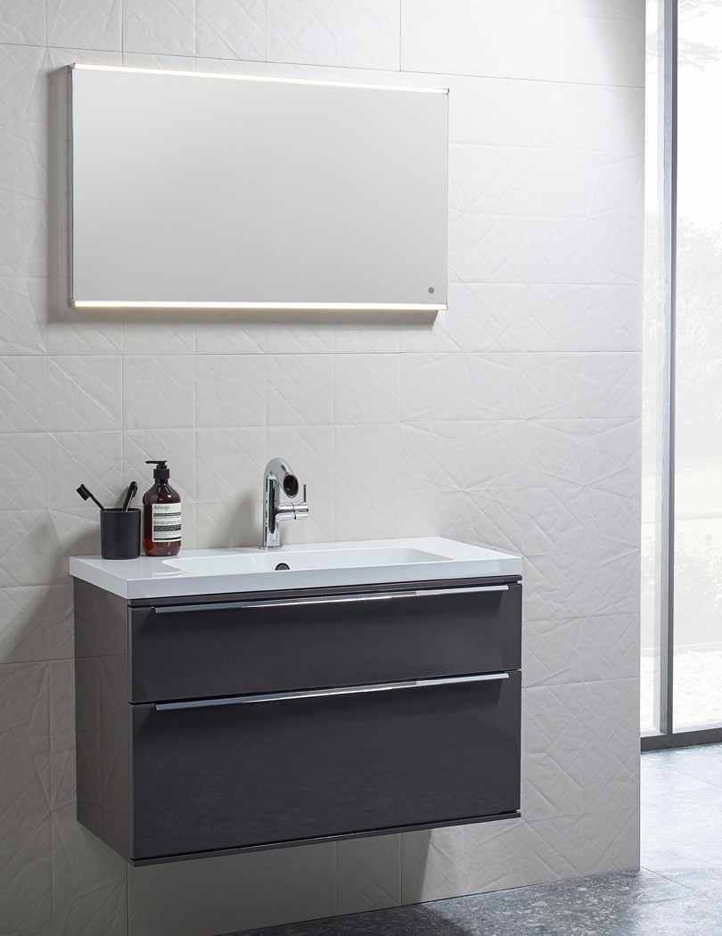 Roper Rhodes Scheme 600mm LED Illuminated Mirror - MLE530