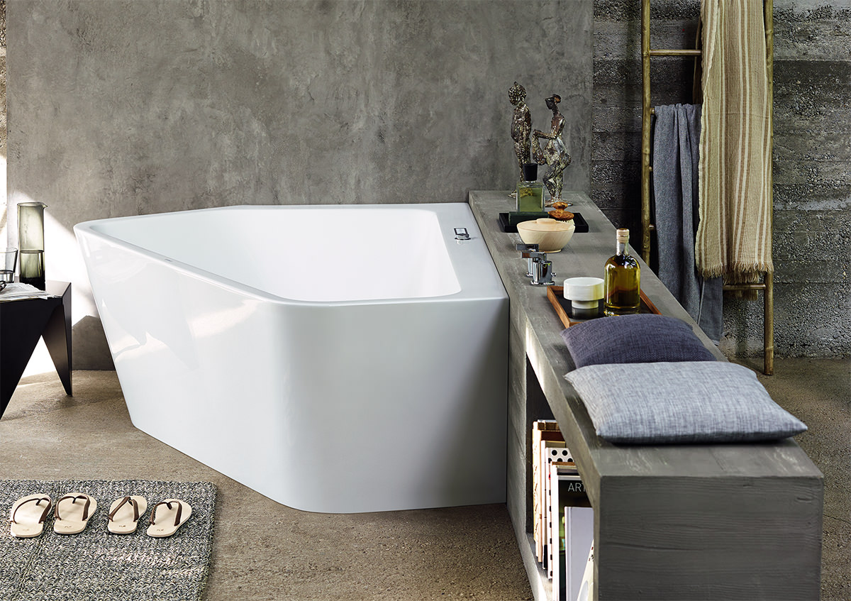 Duravit Paiova 1770 x 1300mm 5 Corner Left Built In Bath With Frame