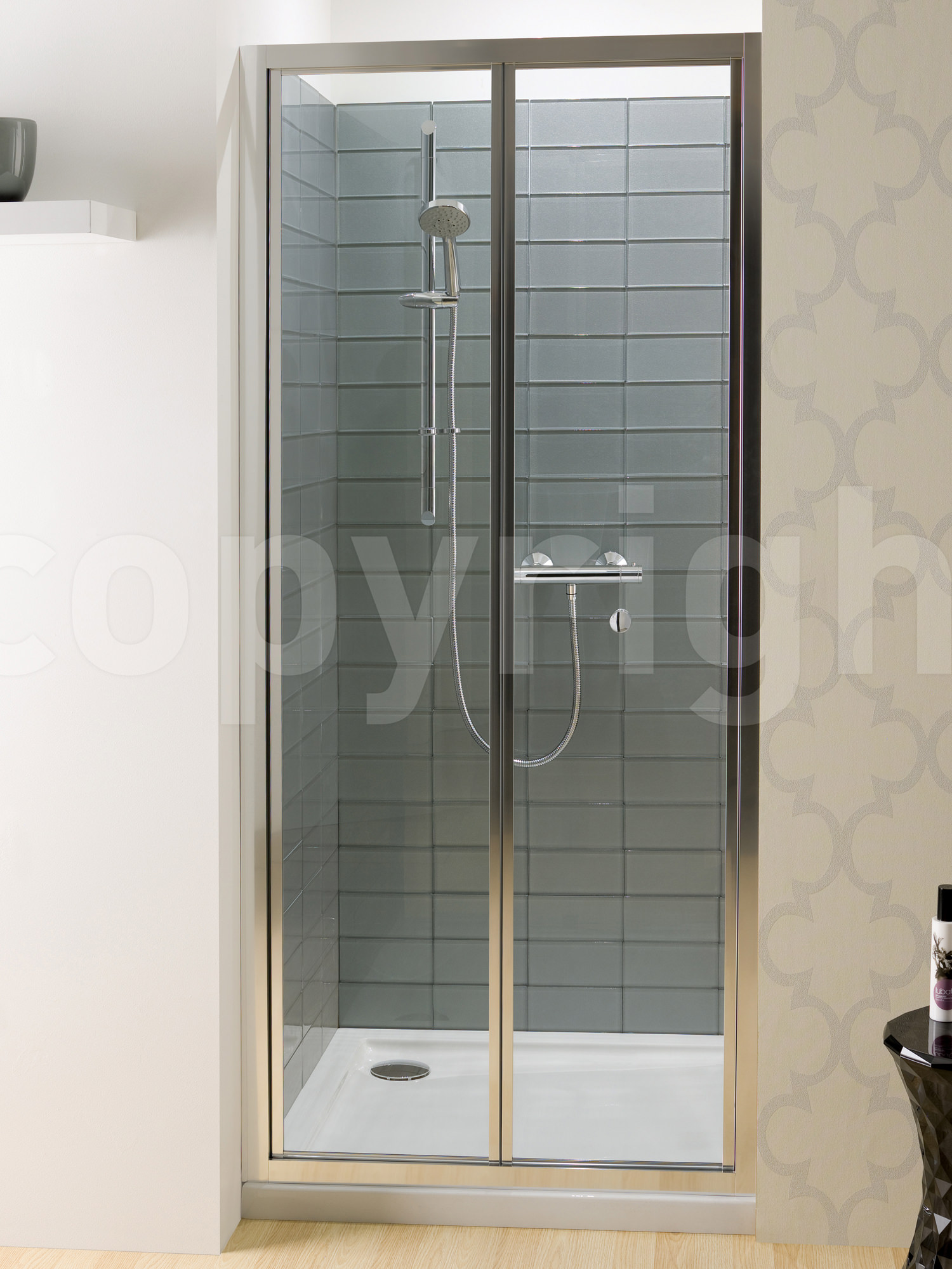 Simpsons edge 900mm bifold shower door for Folding shower for small bathrooms