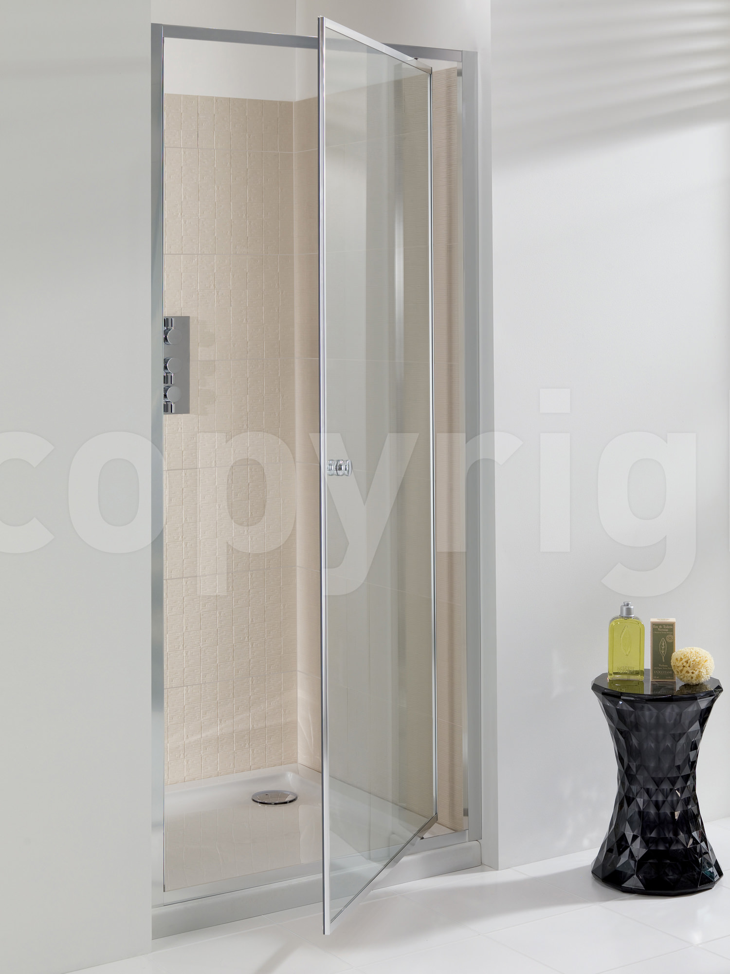 Simpsons edge 900mm pivot shower door for 1800mm high shower door